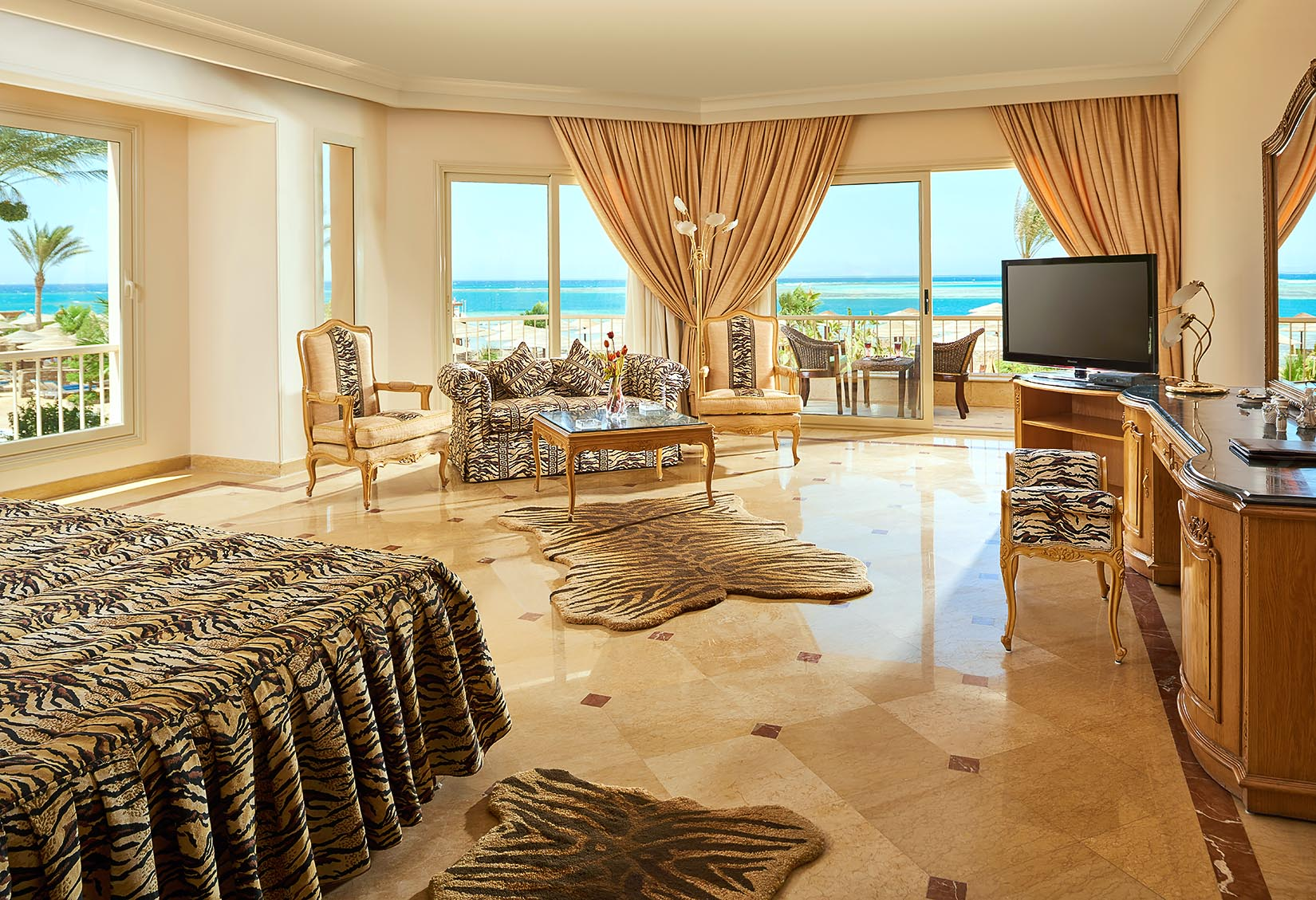 ROYAL SUITE - SEA STAR BEAU RIVAGE HOTEL